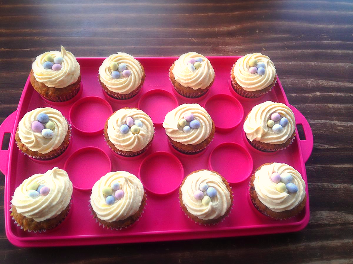 Easy Cream Cheese Frosting Recipe For Piping Cupcakes And Cake Decorating 2